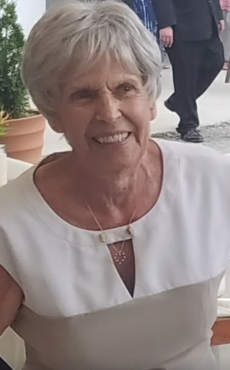 Gloria Costello